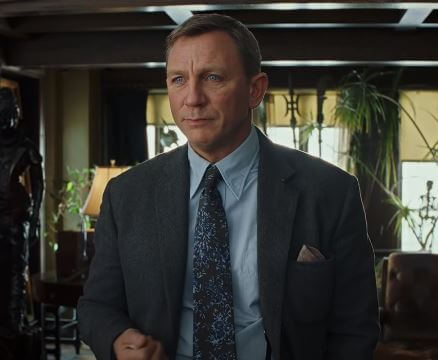 Daniel Craig rocks in Knives Out as Benoit Blanc